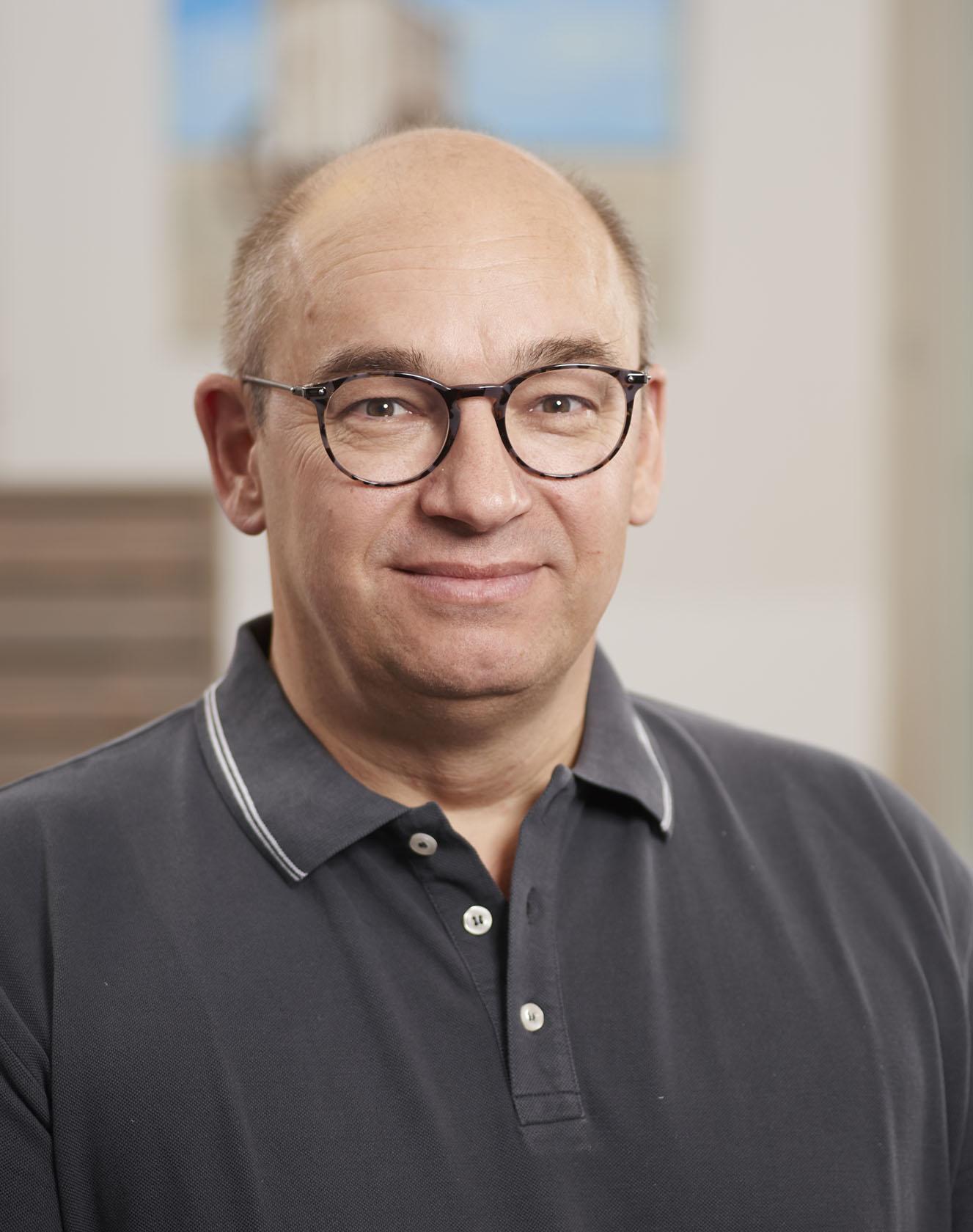 Dr. Andreas Settje